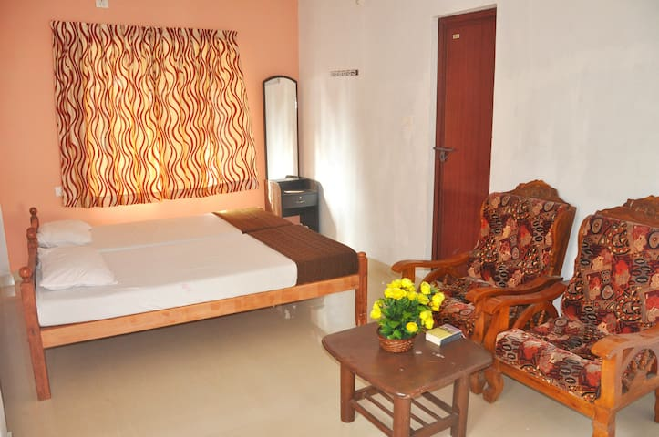 ROSE GARDEN HOME STAY FORTKOCHI.-FAMILY HOME - Кочи - Дом