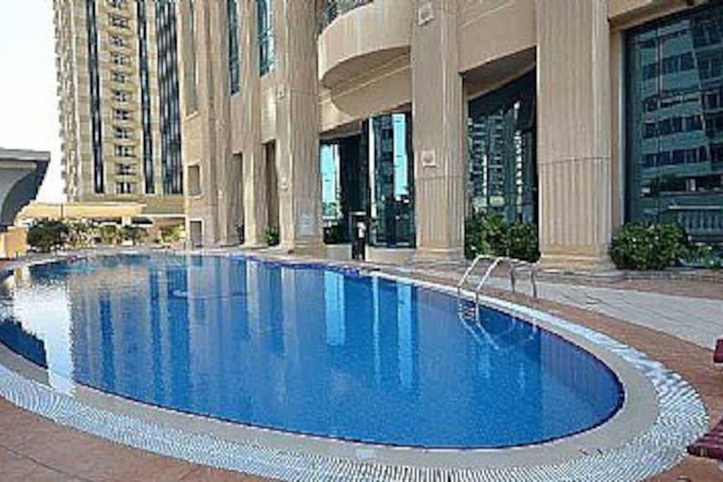 Swimming pool 4th floor
