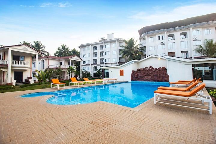 3 Bedroom Luxury Villa in Morjim with Pool & Bar