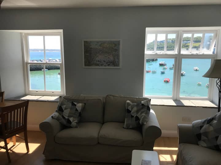 Wharfside maisonette  with fabulous  harbour views