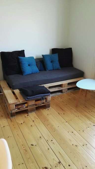 Sofa/bed (Can be converted into a double bed)