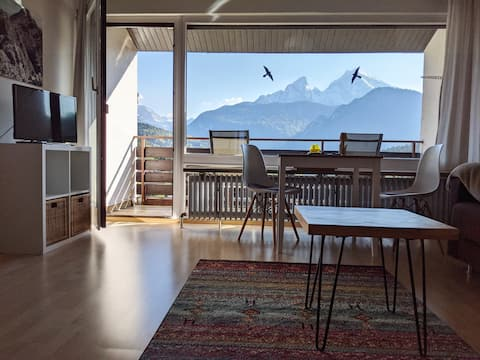 New studio with fantastic mountain views