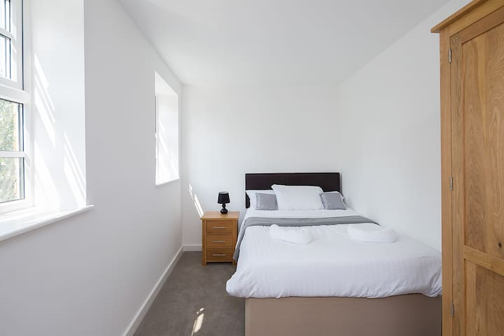 Riverside 7 - Apartment 39 Sleeps 3,  free parking