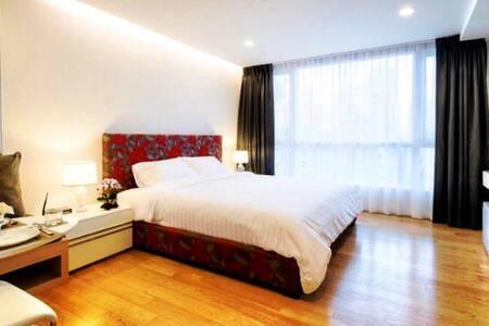 Thai Nice Luxury Suites-King Studio - Bangkok