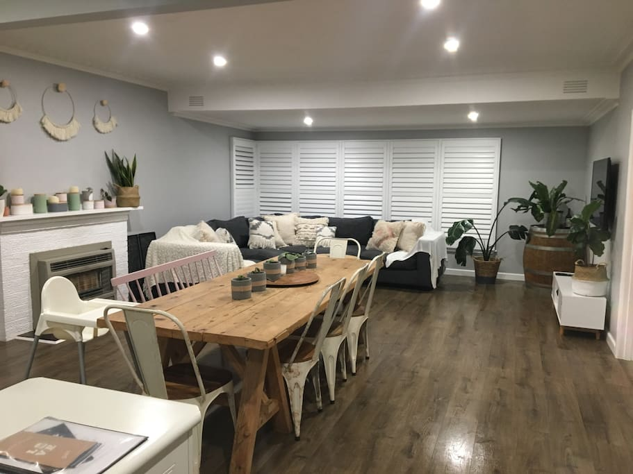 Dining/Lounge