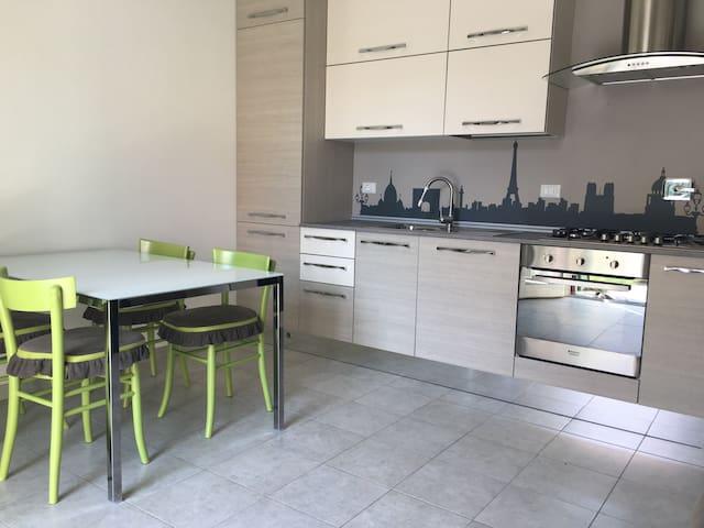 Accogliente trilocale zona centrale - Quarrata - Apartment