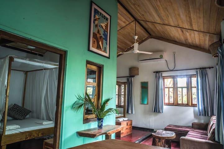 Charming & comfortable bungalow