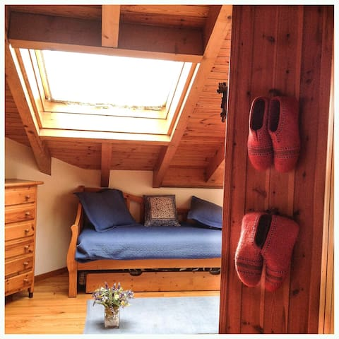 Quiet and cozy duplex for four people at Pyrenees