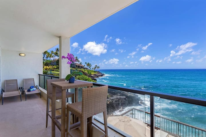 Poipu Shores B202-Second floor 2br/1ba, A/C, remodeled, oceanfront view, pool