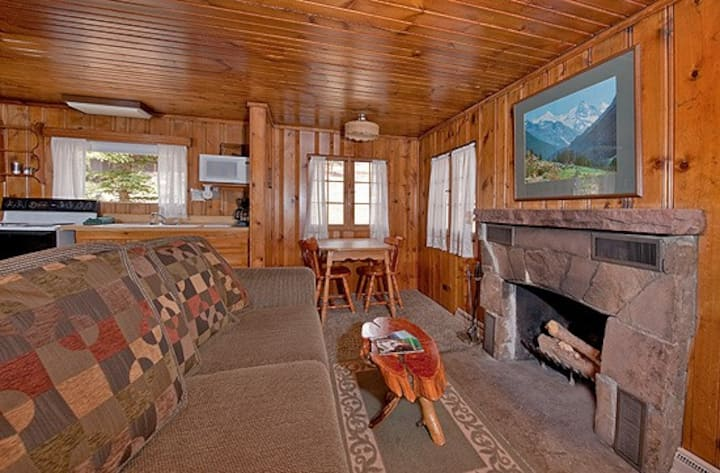 Romantic Cabin in the Mountains - 5th nt 1/2 off!