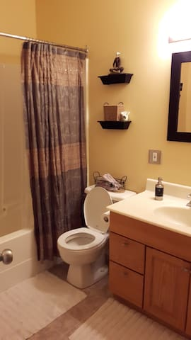 Minutes from Canada Olympic Park - Calgary - Bed & Breakfast