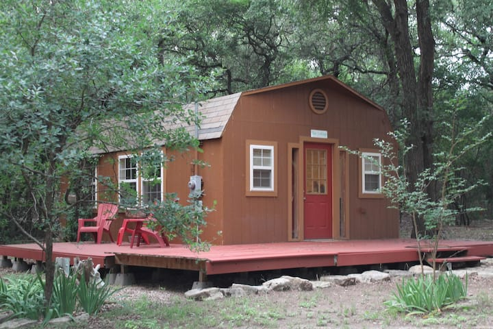 Guest Cottage Nestled in Live Oaks on Horse Ranch