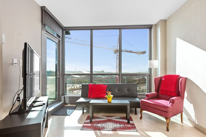 Stylish, central, inner city 1-bedroom condo