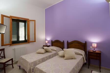 B&B Casina dei Nonni - Ametista - Carpignano Salentino - Bed & Breakfast