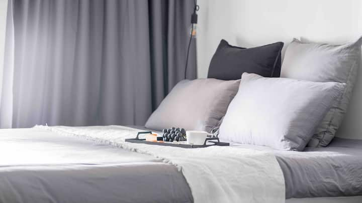 Grey#独居公寓#简约北欧风·高新园站B口·近科技园万象天地世界之窗春茧深大·120寸巨幕投影