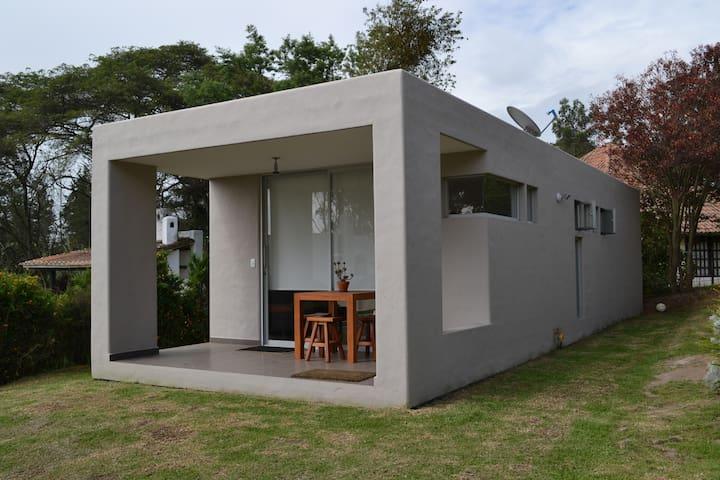 Suite moderna independiente cómoda y acogedora. - Quito - Apartamento