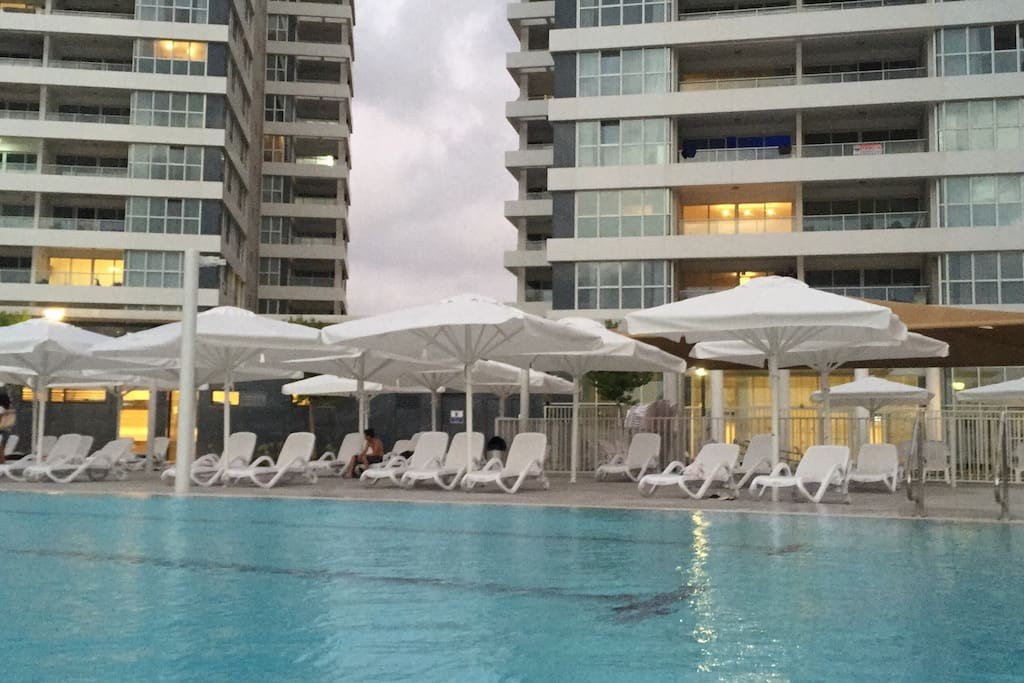 Prince palace netanya beach appartements louer for Appartement israel netanya