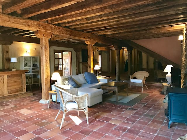 Dream loft with garden 2p, Sotosalbos 17km Segovia - Sotosalbos - House