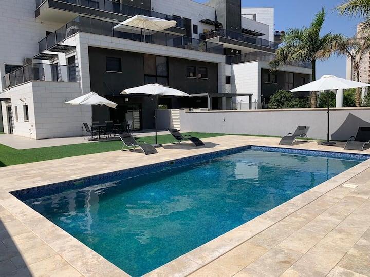 Luxury garden floor Eilat