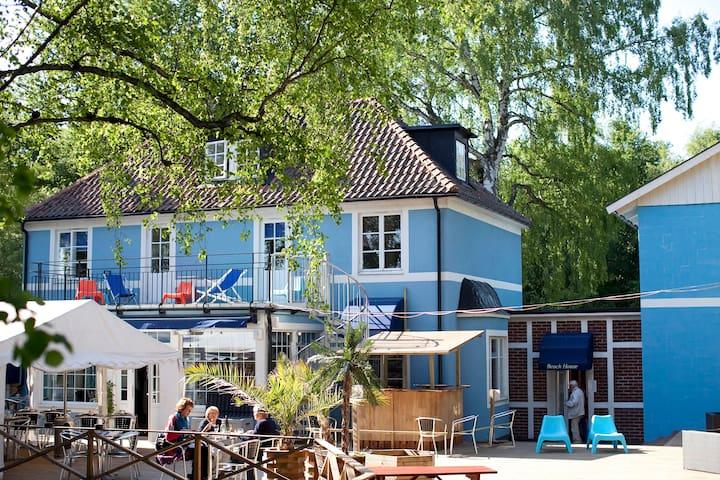Beach House Ystad, Vandrarhem Cafe o Glasskiosk