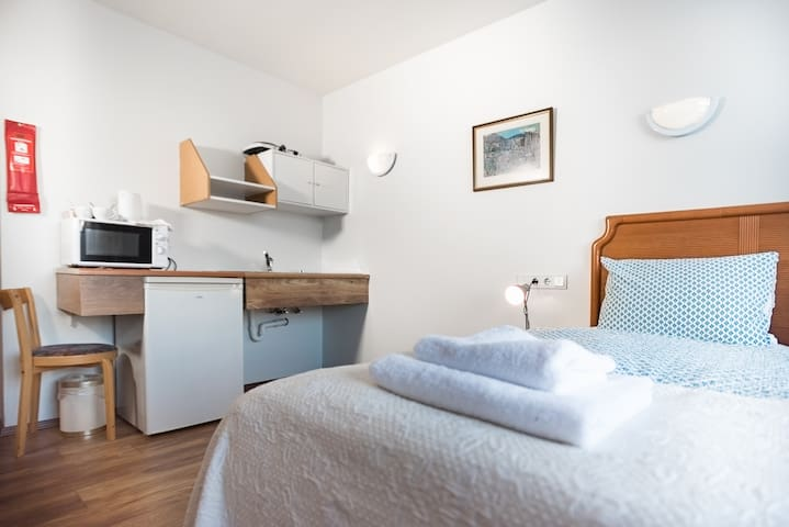 The self catering facilities have a small kitchenette and a fridge with utensils, pots and pans