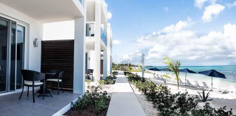 V 7 Beach Front 2-Bedroom Villa
