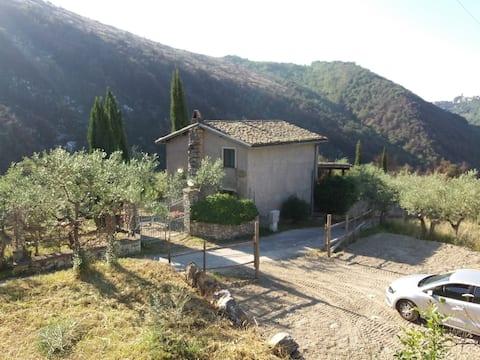 """Casa in campagna """"Passo del falco"""""""