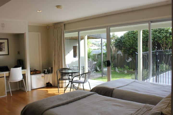 Great twin room close to St Heliers beach