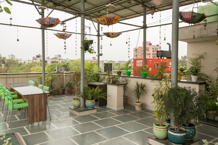 My Cozy 3BHK apartment with Lift in Central Delhi