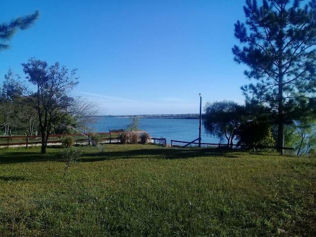 Es realmente un paraiso sobre el Rio Corrientes