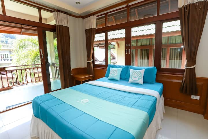 Experience Thai Island life - Beachfront resort Koh Phangan !