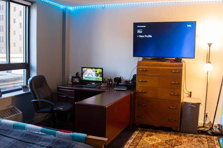 Private Downtown Detroit Penthouse Suite!