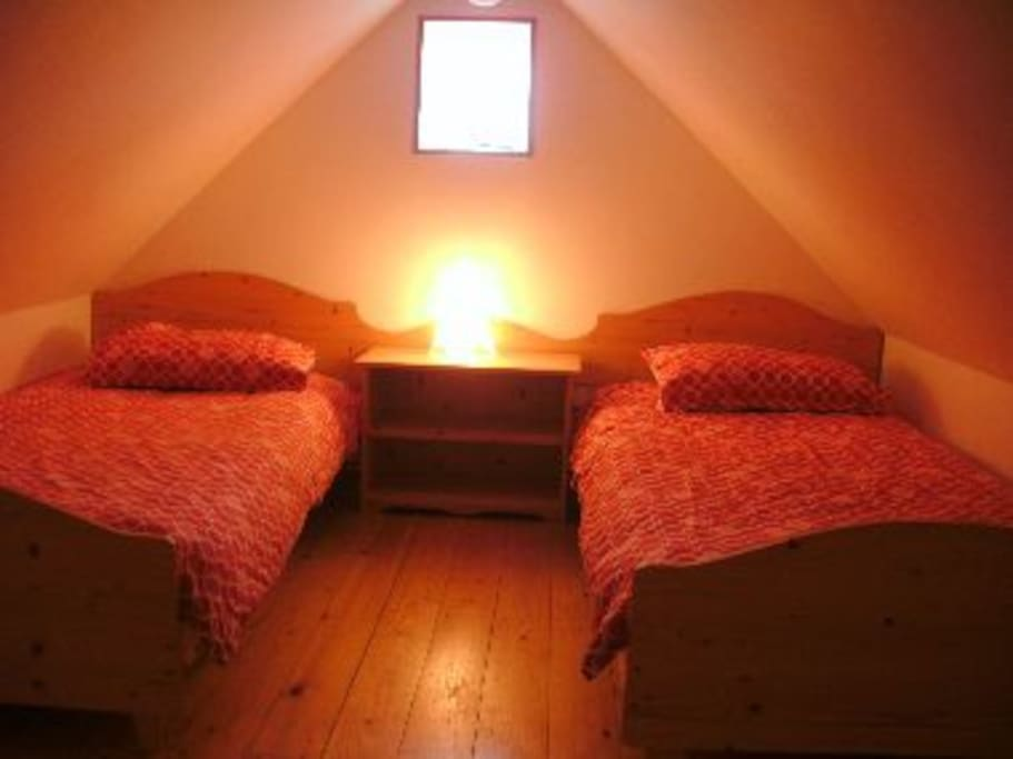 Loft twin bedroom