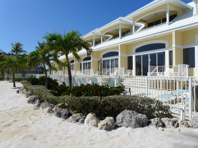 Glunz Ocean Beach Resort Villa #3 - Key Colony Beach - Vila