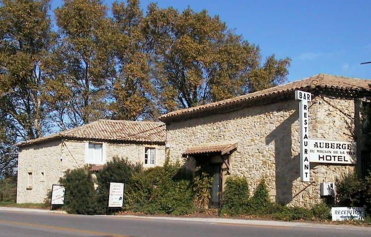 chambres d'hôtes au Moulin de la Tave - Laudun-l'Ardoise - Pensione