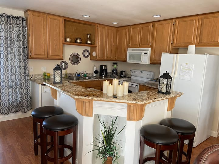 Cozy 3BD 2BTH unit minutes to Seattle and airport
