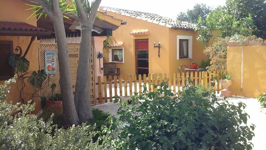 Mallorca,  charming casita with outside kitchen. - Inca - Dom