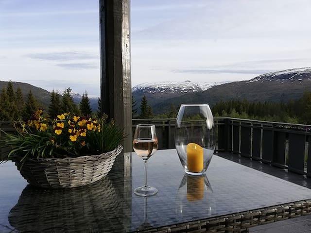 """Voss, Spacious mountain cabin; """"Mountain dream"""""""