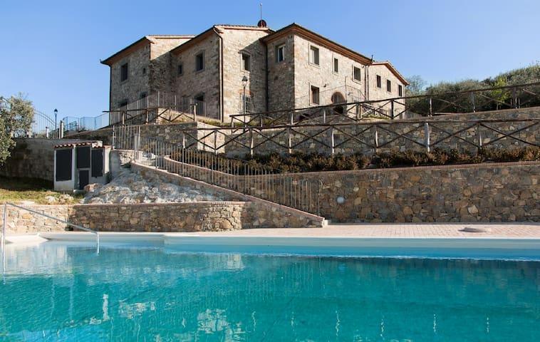 Apartment Ciliegio 4 p. in Farmhouse Sasso Regino - Buriano - Apartamento