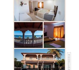 Hotel Buen Hombre - Balcón, habitación - Buen Hombre - Bed & Breakfast