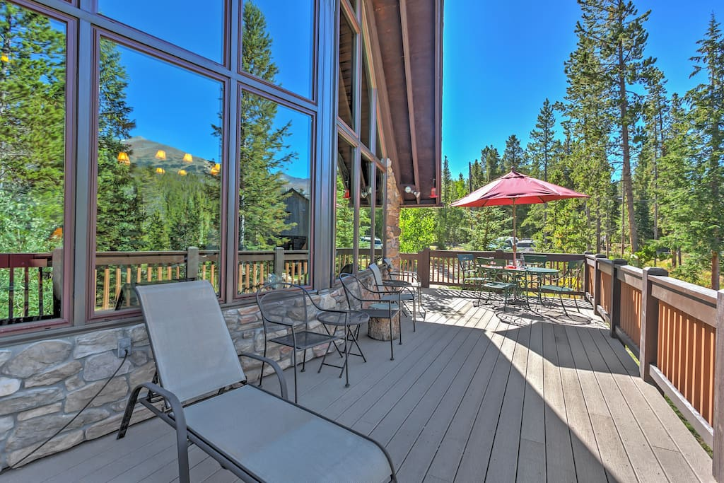 With one of the best views in Breckenridge right from the spacious private deck, this home guarantees the ultimate Breckenridge escape!