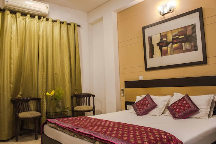 Comfortable room - Bed & Breakfast GK-2 - New Delhi - Bed & Breakfast