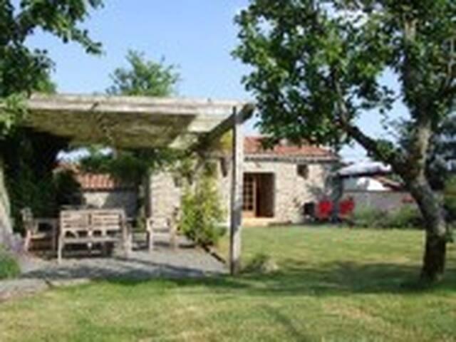 Chez Tranquillité - Saint-Paul-en-Gâtine - House