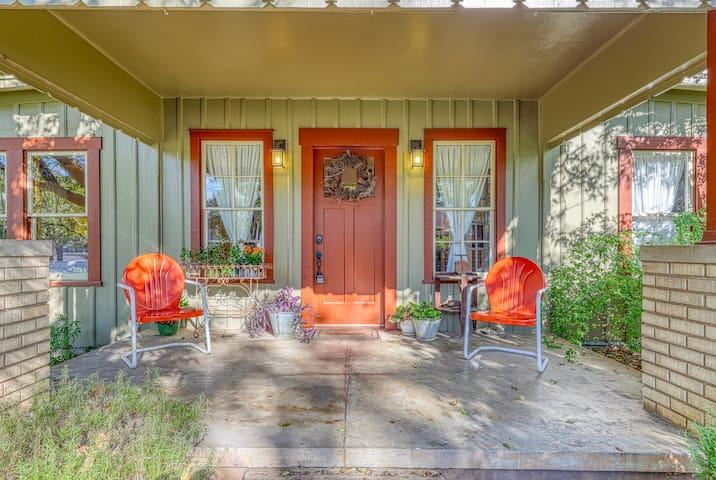 Historic, family-friendly farmhouse w/ a lush patio - near wineries