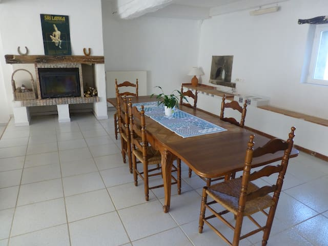 Font Saint Martin, large holiday home, pool, views - Fanjeaux - บ้าน