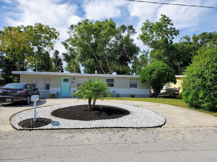 Newly Renovated Home near TPA Airport &  Beaches