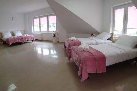 Kozienice, Apartament 8-10-os. z 3 sypialniami