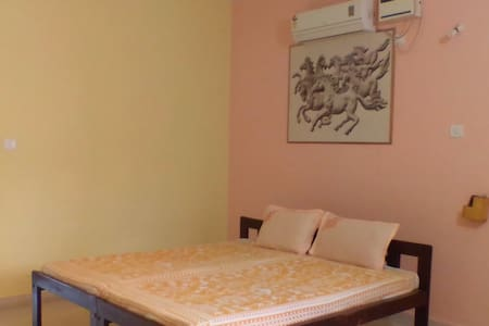 Spacious room in heart of Anjuna. ( ROOM 2)