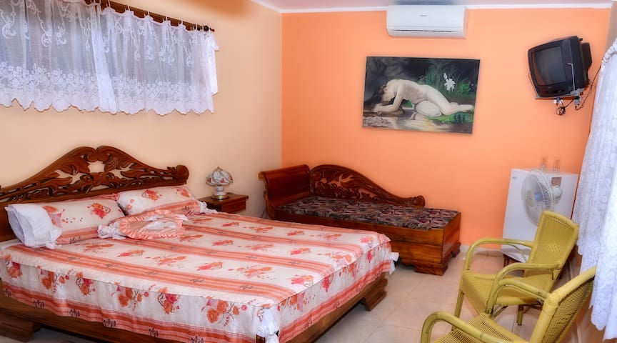 Hostal Alicia Room 1 (Moron)