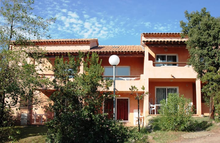 Vardiola plage holiday accommodations,B